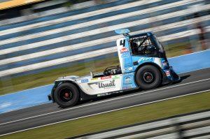 Felipe Giaffone corre com o motor FPT Cursor 13 (FOTO Duda Bairros Copa Truck)