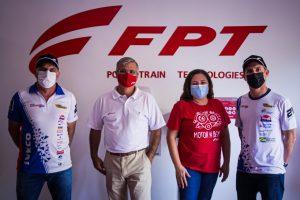 Felipe Giaffone e Djalma Pivetta conhecem a fábrica da FPT no Brasil
